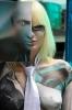 Девушка-стендистка, модель боди-арт
