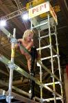 Девушка на выставочном стенде: высоко сижу, далеко гляжу...