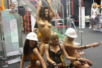 Эротические танцы на выставочном стенде